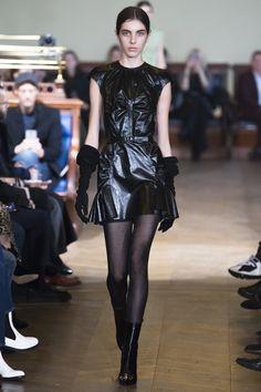 Olivier Theyskens Fall 2017 Ready-to-Wear Fashion Show - Madeleine Knighton