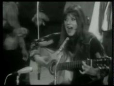 MELANIE SAFKA - Lay Down Candles in the Rain 1970. Most of yo will not know this . . . but you should.