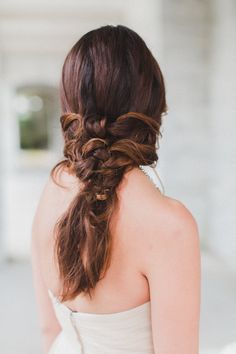 Knotted low ponytail: http://www.stylemepretty.com/virginia-weddings/afton/2016/01/26/ethereal-early-morning-wedding-inspiration/ | Photography: Annamarie Akins - http://www.annamarieakinsphotography.com/