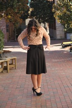 bowknot midi skirt with lace overlay top