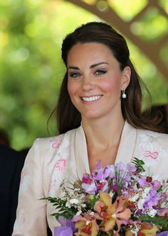 Kate perfects diplomatic dressing on Singapore tour - Picture 3