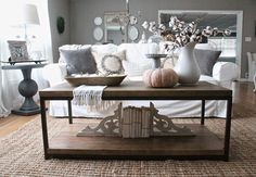 Great 134 Coffee Table Styling Ideas https://pinarchitecture.com/134-coffee-table-styling-ideas/