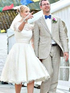 A-Line/Princess Scoop 3/4 Sleeves Knee-Length Ruffles Lace Wedding Dresses