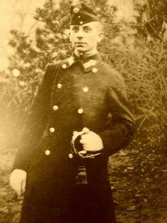 Erich von Stroheim was briefly a soldier in his native Austria in the early 1900's.  Found on Facebook.