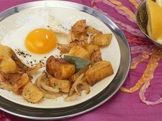 Bratkartoffeln mit indischen Gewürzen und Spiegelei ist ein Rezept mit frischen Zutaten aus der Kategorie Spiegelei. Probieren Sie dieses und weitere Rezepte von EAT SMARTER!