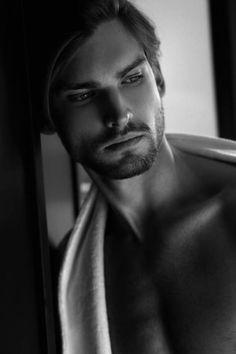 Mario-Skaric-Portraits-Of-Seduction-Thomas-Synnamon-Burbujas-De-Deseo-03