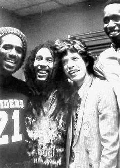 *Bob Marley* & Mick Jagger. Apollo Theater, Harlem, NYC, NY, USA, October 25-28, 1979. More fantastic pictures, music and videos of *Bob Marley* on: https://de.pinterest.com/ReggaeHeart/