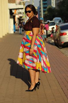 How to Look Classic Like Serwaa Amihere - Outfits - Clothes South African Dresses, African Dresses Plus Size, African Dresses For Kids, African Maxi Dresses, African Fashion Ankara, Latest African Fashion Dresses, African Attire, African Skirt, African Inspired Clothing