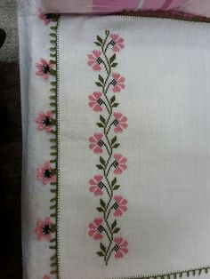 - Salvabrani, cross stitch border with oya trim Cross Stitch Boarders, Cute Cross Stitch, Cross Stitch Rose, Cross Stitch Flowers, Cross Stitch Designs, Cross Stitch Patterns, Towel Embroidery, Beaded Embroidery, Cross Stitch Embroidery