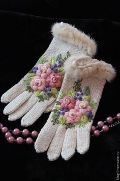 Купить Вязаные перчатки с ручной вышивкой и мехом норки Вечное Ретро - перчатки зимние