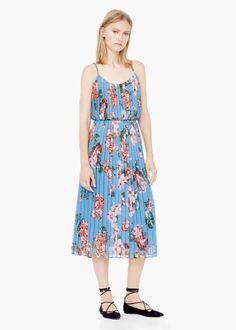 Pin for Later: Hier könnt ihr Designer-Teile vom Laufsteg für einen Bruchteil erstehen  Mango Kleid mit Blumendruck (70 €)