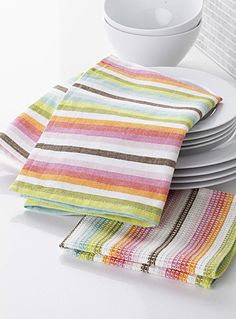 Shop our stylish, high-quality dish cloths, cleaning cloths, tea towels, and sponges made of absorbent materials for a clean and functional kitchen! Weaving Designs, Weaving Projects, Weaving Patterns, Loom Weaving, Hand Weaving, Tea Towels, Dish Towels, Weaving Techniques, Hand Spinning