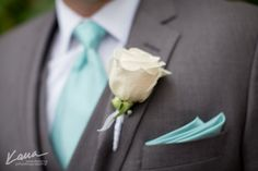 Blue tie and pocket square...very dapper!  #makenaweddings www.makenaweddings.com