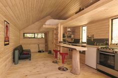 Image 9 of 14 from gallery of PV Cabin / Lorena Troncoso-Valencia. Image Courtesy of Lorena Troncoso-Valencia Home Design, Cabin Design, Bed Design, Escape, Light Hardwood Floors, Modern Tiny House, Kitchen And Bath Design, Wooden Cabins, Tiny Cabins
