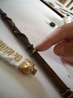 Make an Awesome Harry Potter Wand From a Sheet of Paper and Glue Gun Glue : 12 Steps (with Pictures) - Instructables Harry Potter Wands Diy, Cumpleaños Harry Potter, Harry Potter Birthday, Witch Wand, Wizard Wand, Harry Potter Accesorios, Princess Wands, Glue Gun Crafts, Diy Crafts