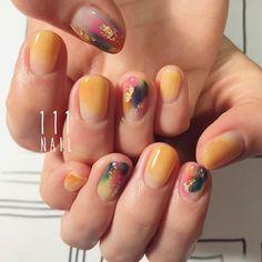 ⚪️▫️◽️◻️🎨🔹🔸🔶🍬✨ #nail#art#nailart#ネイル#ネイルアート #nuance#colorful#ennui#ショートネイル#nailsalon#ネイルサロン#表参道#nuance111#colorful111 (111nail)