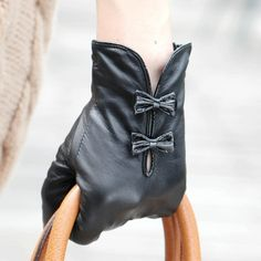 Women's #Fashion #Accessories: WARMEN Stylish Women Genuine Nappa Soft Leather Lined #Gloves With Cute Bow Hand Bags Tips (Black): Clothing