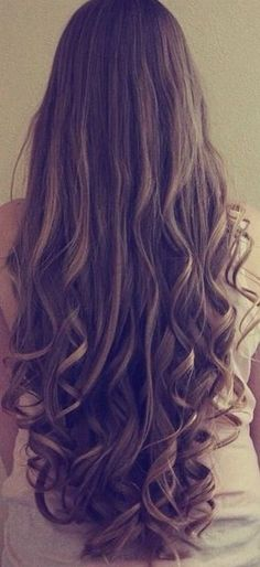 Long Loose Curls - Hairstyles and Beauty Tips Long Loose Curls, Long Wavy Hair, Curly Hair, Straight Hair With Curls, Long Locks, Thick Hair, Loose Curls Hairstyles, Pretty Hairstyles, Hairstyle For Long Hair