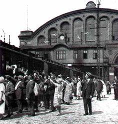 BERLIN 20er Jahre Abfahrt vom Anhalter Bahnhof