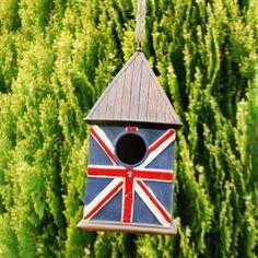 Union Jack garden bird house