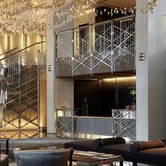 hotel lobby (1) IMPOSING HOTEL LOBBIES. PALACE, PLAZA OR PULLMAN