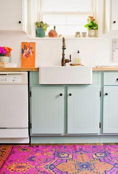 Uma cozinha com cores perfeitas, boho, meiga, cool!