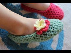 Jednoduché háčkované papučky ala balerínky s kvetinkou - návod Bellisima, Slippers, Crochet Necklace, Baby Shoes, Floral, Youtube, Blog, Kids, Tejidos