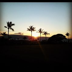 Mahalo @DanoIza for the great sunset pic from the Ka'anapali #Golf Course!