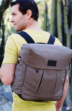 What do you think about this diaper backpack for dads? As for design we like it a lot and you? #DiaperBagBlog