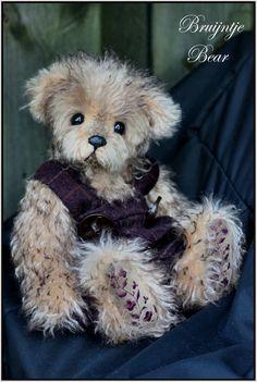 Artist Bears and Handmade Teddy Bears - Bear Pile Teddy Toys, Handmade Toys, Artist, Teddy Bears, Animals, Attitude, Sweet, Bear Cubs, Stuffed Toys