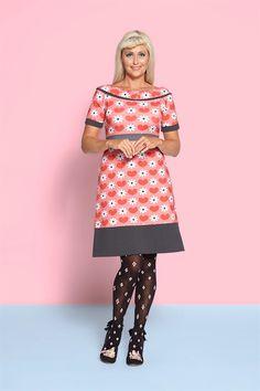 Spændende og trendy modetøj til kvinder online Prom Heels, Fashion Heels, Refashion, Formal Wear, Bunt, Hosiery, New Dress, Designer Dresses, Tights