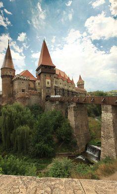 Corvin Castle, Transylvania - Romania www.romaniasfriends.com / Tours/ Ten castles and fortresses of Romania