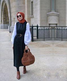Hijab Style Hijab Outfit Hijab fashion Source by fashion hijab Modern Hijab Fashion, Hijab Fashion Inspiration, Abaya Fashion, Muslim Fashion, Modest Fashion, Fashion Outfits, Stylish Hijab, Hijab Style, Casual Hijab Outfit