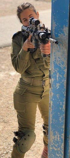 Here you find very hot and dangerous Women & Guns, Military Girls, IDF Roses. Idf Women, Military Women, Outdoor Girls, Brave Women, Military Girl, Warrior Girl, Female Soldier, Girls Uniforms, Girls Rules