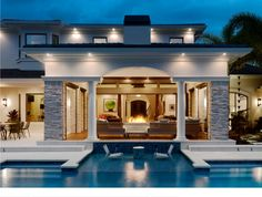 That little sitting area in the pool is awesome !