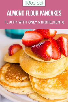 Fluffy low carb Almond Flour Pancakes with 5 simple ingredients. Almond Flour Cakes, Almond Pancakes, No Flour Pancakes, Breakfast Pancakes, Fluffy Pancakes, Almond Flower Recipes, Almond Recipes, Vegan Recipes, Healthy Low Carb Recipes