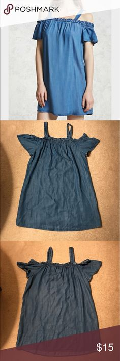 NWT Forever 21 Denim Dress Great dress, perfect condition. Contemporary Brand Forever 21 Dresses