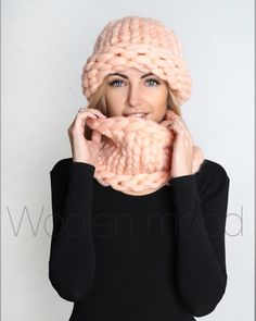 Knitted Blankets, Knitted Hats, Knit Crochet, Crochet Hats, Sweater Scarf, Ear Warmers, Hand Knitting, Fashion Models, Knitting Projects