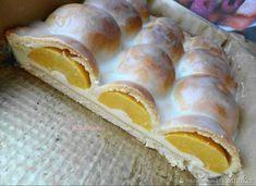 Ciasto z połówkami brzoskwiń i jabłek. Unique Desserts, Different Cakes, Polish Recipes, Polish Food, Yummy Cakes, Hot Dog Buns, Food Inspiration, Baking Recipes, Food To Make