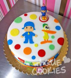 QUE COOKIES | pocoyo Torta Baby Shower, 3rd Birthday Parties, Birthday Cake, Torta Paw Patrol, Zombie Party, Cupcake Cookies, No Bake Desserts, Cake Toppers, Birthdays