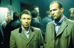 Jason Statham and Stephen Graham in Snatch one of my favorite movies of all times! Comedy Films, Funny Comedy, Jason Statham Young, Snatched Movie, Stephen Graham, Modern Mens Fashion, Guy Ritchie, British Comedy, The Best Films