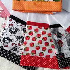KIT 10 -Panos de Prato Diferente Barrados Duplo no Crotchet Patterns, Dish Towels, Kitchen Towels, Cross Stitching, Apron, Floral Rosa, Patches, Quilts, Sewing