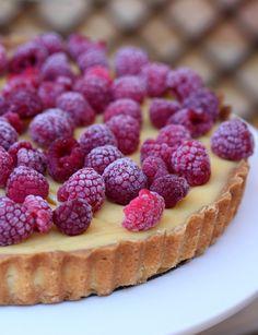 Tenina is a Thermomix marvel. Sweet Pie, Sweet Tarts, Thermomix Desserts, Thermomix Cheesecake, Delicious Desserts, Dessert Recipes, Yummy Food, Bellini Recipe, Raspberry Recipes