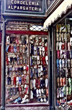 Espadrilles Foi aqui que comprei minhas espadrilles madrileñas! Oh wow that's a lot of Espadrilles. I want the read one, the white, the gray. Espadrilles, Espadrille Shoes, Shop Fronts, Canvas Leather, Me Too Shoes, Thrifting, Shoe Bag, Buy Canvas, Vintage Shops