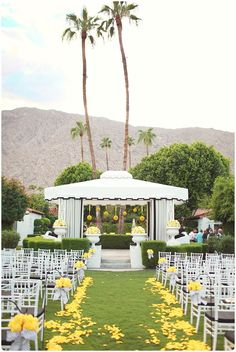 Viceroy Ceremony Lawn, Yellow Decor