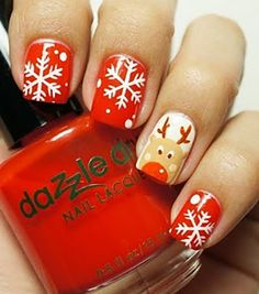 awesome Bright and Festive Christmas Nail Art Designs For This Season