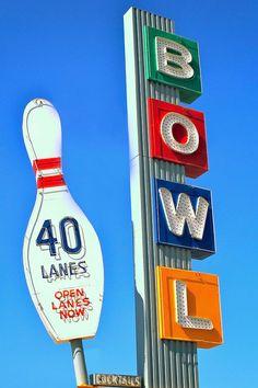 vintage neon sign, vintage neon cafe sign, gaston's cafe, retro