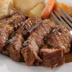 Crockpot Roast Beef Recipe 7hrs roast, Dr. pepper, 2 dashes Worcestershίre sauce, water, salt, pepper, garlic