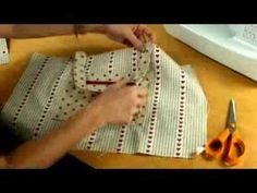▶ A zippered, lined tote bag for you to sew by Debbie Shore - YouTube