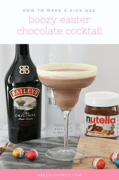 This Boozy Easter Chocolate Cocktail really is the ultimate party drink! Made from baileys, vodka, milk, nutella & a sneaky easter egg hidden at the bottom! Recipe & Video: http://bakeplaysmile.com/boozy-easter-chocolate-cocktail/ #easter #chocolate #nu
